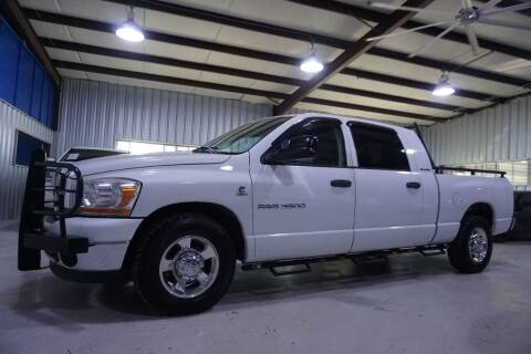 2006 Dodge Ram Pickup 3500 for sale at SOUTHWEST AUTO CENTER INC in Houston TX