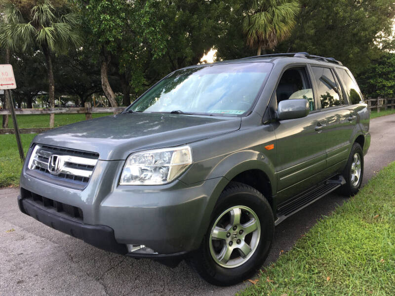 2007 Honda Pilot for sale at LESS PRICE AUTO BROKER in Hollywood FL