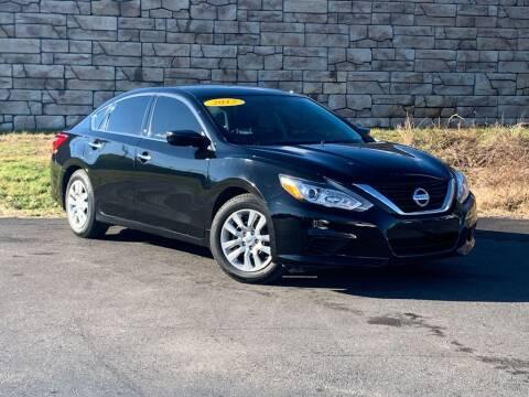2017 Nissan Altima for sale at Car Hunters LLC in Mount Juliet TN