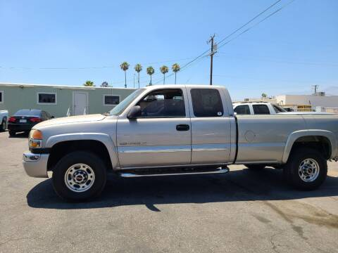 2004 GMC Sierra 2500HD for sale at E and M Auto Sales in Bloomington CA