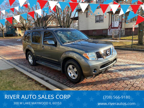 2006 Nissan Pathfinder for sale at RIVER AUTO SALES CORP in Maywood IL