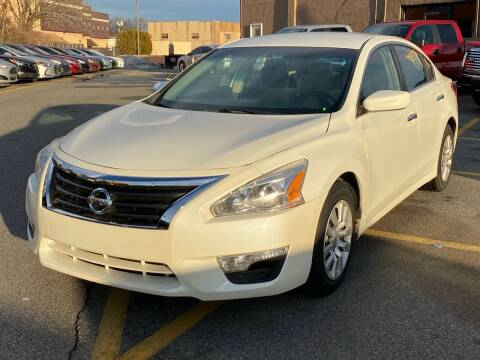 2013 Nissan Altima for sale at MAGIC AUTO SALES in Little Ferry NJ