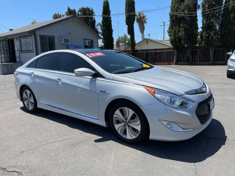 2015 Hyundai Sonata Hybrid for sale at Blue Diamond Auto Sales in Ceres CA