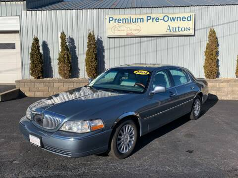 2004 Lincoln Town Car for sale at PREMIUM PRE-OWNED AUTOS in East Peoria IL