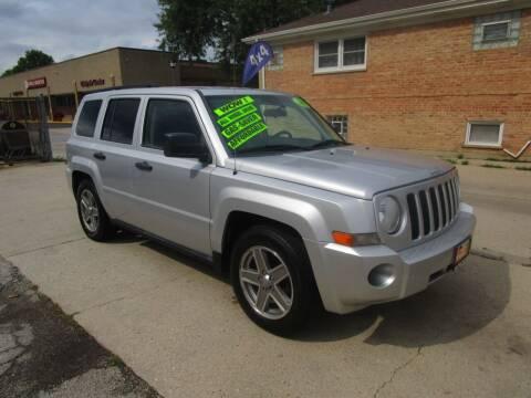 2007 Jeep Patriot for sale at RON'S AUTO SALES INC in Cicero IL