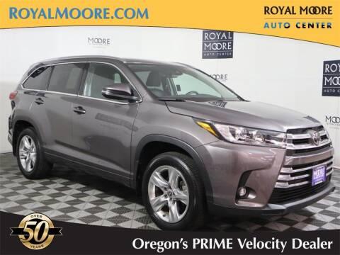 2019 Toyota Highlander for sale at Royal Moore Custom Finance in Hillsboro OR