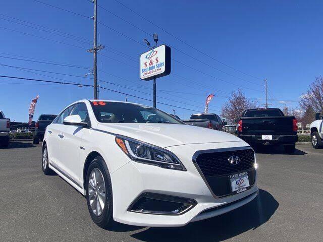 2016 Hyundai Sonata Hybrid for sale at S&S Best Auto Sales LLC in Auburn WA