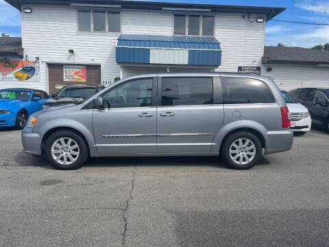 2015 Chrysler Town and Country for sale at Twin City Motors in Grand Forks ND