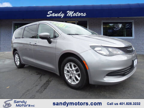 2017 Chrysler Pacifica for sale at Sandy Motors Inc in Coventry RI