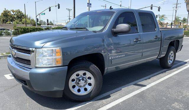 2007 Chevrolet Silverado 1500 for sale at Beach Auto Group LLC in Midway City CA