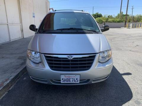2005 Chrysler Town and Country for sale at Hunter's Auto Inc in North Hollywood CA