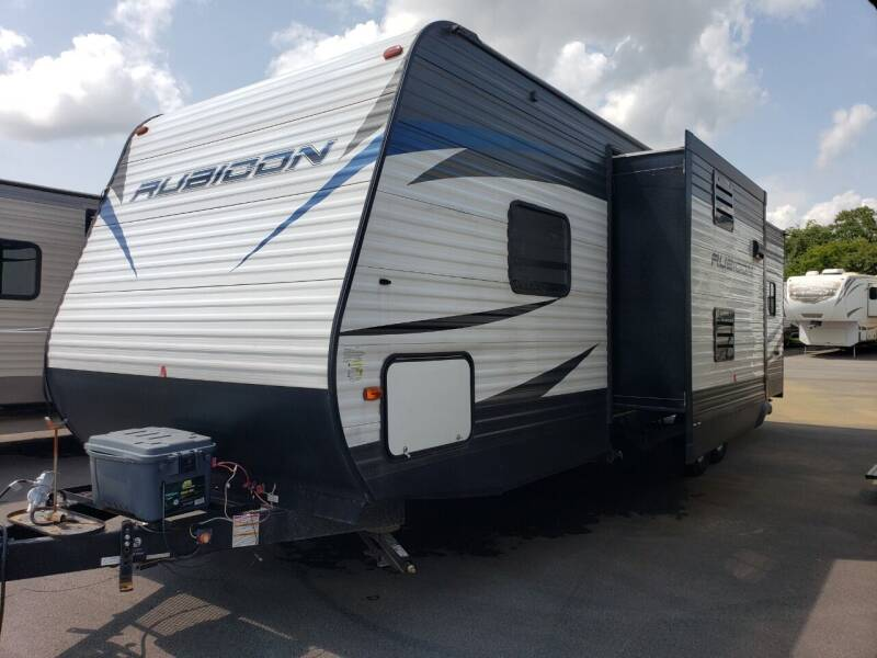 2019 Keystone Rubicon 301XLT for sale at Ultimate RV in White Settlement TX