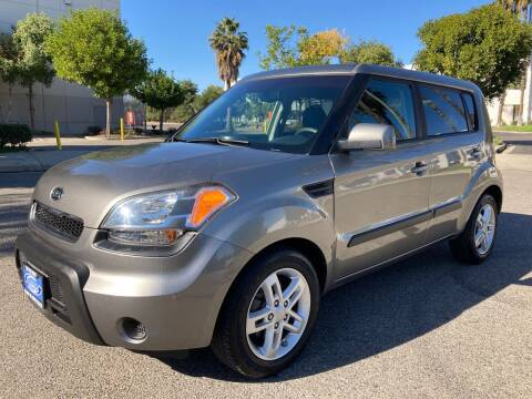 2011 Kia Soul for sale at Trade In Auto Sales in Van Nuys CA