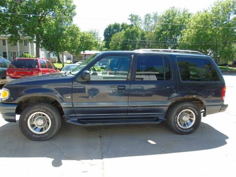 1999 Mercury Mountaineer for sale at C&C AUTO SALES INC in Charles City IA