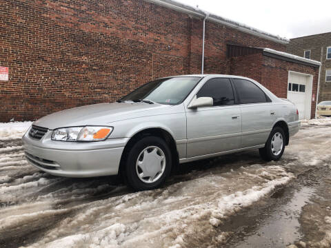2000 Toyota Camry for sale at Jim's Hometown Auto Sales LLC in Byesville OH