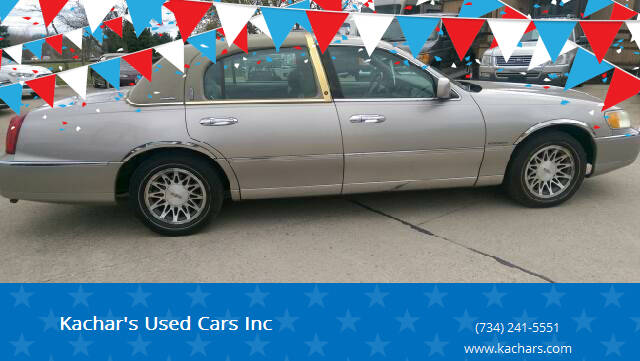 2001 Lincoln Town Car for sale at Kachar's Used Cars Inc in Monroe MI