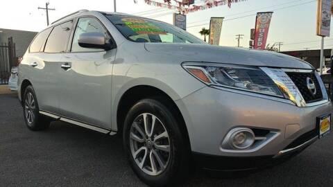 2013 Nissan Pathfinder for sale at El Guero Auto Sale in Hawthorne CA