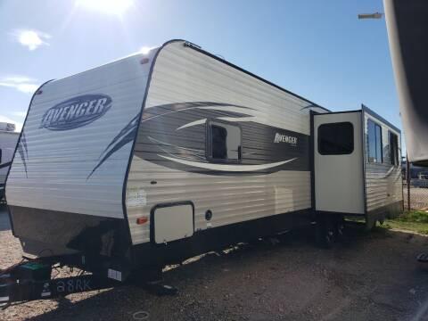 2017 Forest River Avenger 28RKS  for sale at Ultimate RV in White Settlement TX