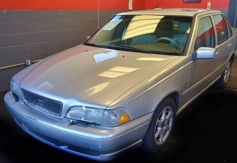 2000 Volvo S70 for sale at D & J AUTO EXCHANGE in Columbus IN