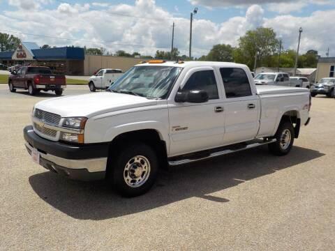 2004 Chevrolet Silverado 2500HD for sale at Young's Motor Company Inc. in Benson NC