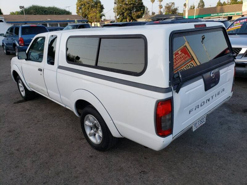 2003 Nissan Frontier for sale at LR AUTO INC in Santa Ana CA