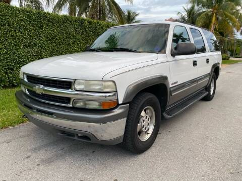 2000 Chevrolet Suburban for sale at American Classics Autotrader LLC in Pompano Beach FL