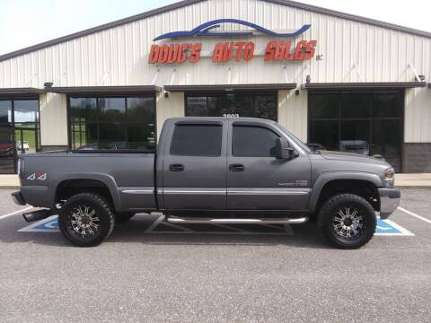 2002 GMC Sierra 2500HD for sale at DOUG'S AUTO SALES INC in Pleasant View TN