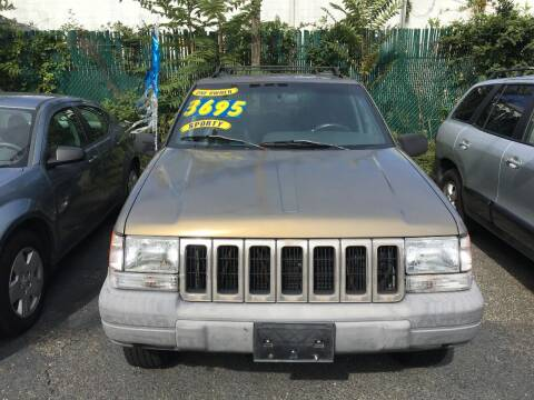 1997 Jeep Grand Cherokee for sale at King Auto Sales INC in Medford NY