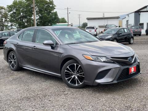 2018 Toyota Camry Hybrid for sale at The Other Guys Auto Sales in Island City OR