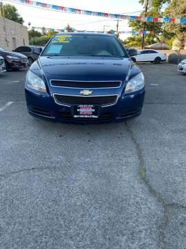 2011 Chevrolet Malibu for sale at Mike's Auto Sales in Yakima WA