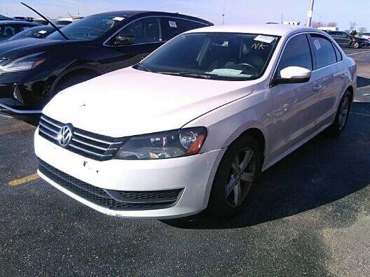2013 Volkswagen Passat for sale at NORTH CHICAGO MOTORS INC in North Chicago IL