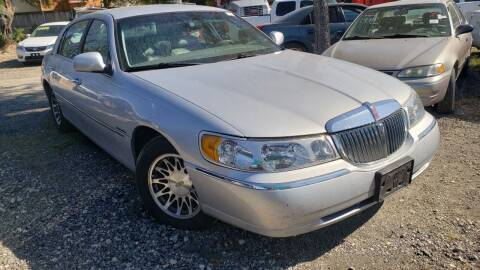 2001 Lincoln Town Car for sale at C.J. AUTO SALES llc. in San Antonio TX