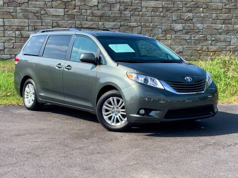 2014 Toyota Sienna for sale at Car Hunters LLC in Mount Juliet TN