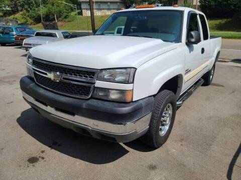 2005 Chevrolet Silverado 2500HD for sale at North Knox Auto LLC in Knoxville TN