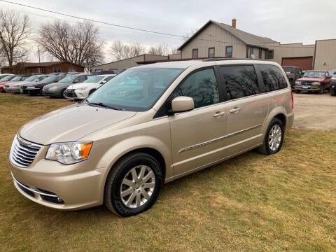 2015 Chrysler Town and Country for sale at COUNTRYSIDE AUTO INC in Austin MN