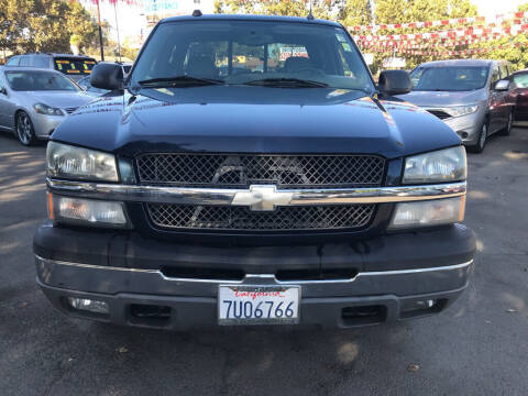 2005 Chevrolet Silverado 1500 for sale at EXPRESS CREDIT MOTORS in San Jose CA
