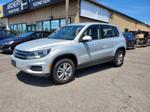 2013 Volkswagen Tiguan for sale at Ron's Auto Sales in Hillsboro OR