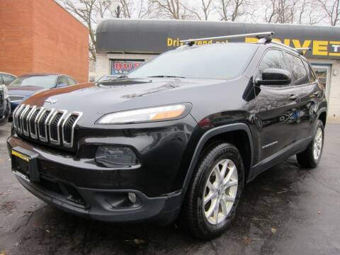 2014 Jeep Cherokee for sale at DRIVE TREND in Cleveland OH