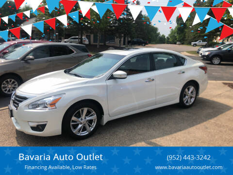 2014 Nissan Altima for sale at Bavaria Auto Outlet in Victoria MN