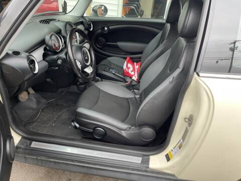 2010 MINI Cooper for sale at Car VIP Auto Sales in Danbury CT