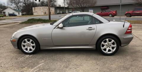 2004 Mercedes-Benz SLK for sale at Diana Rico LLC in Dalton GA