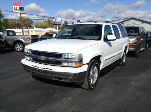 2004 Chevrolet Suburban for sale at Steves Auto Sales in Cambridge MN