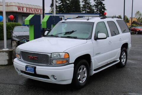 2004 GMC Yukon for sale at BAYSIDE AUTO SALES in Everett WA