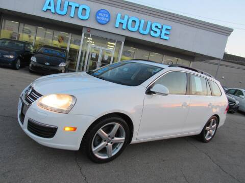 2009 Volkswagen Jetta for sale at Auto House Motors in Downers Grove IL