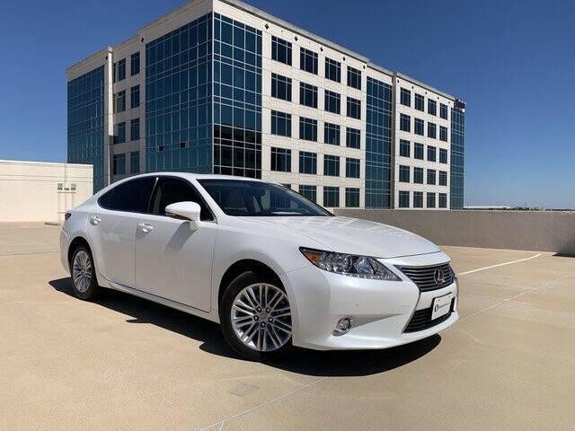2015 Lexus ES 350 for sale at SIGNATURE Sales & Consignment in Austin TX