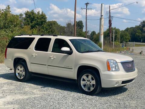 2013 GMC Yukon XL for sale at Charlie's Used Cars in Thomasville NC