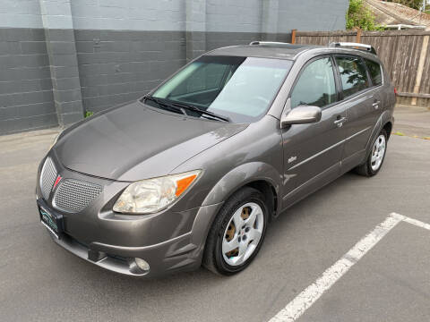 2005 Pontiac Vibe for sale at APX Auto Brokers in Lynnwood WA