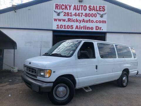 2002 Ford E-Series Wagon for sale at Ricky Auto Sales in Houston TX
