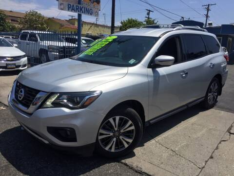 2017 Nissan Pathfinder for sale at 2955 FIRESTONE BLVD in South Gate CA