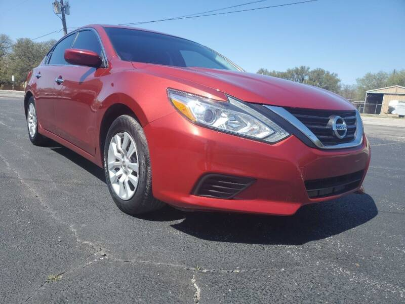 2016 Nissan Altima for sale at Thornhill Motor Company in Lake Worth TX